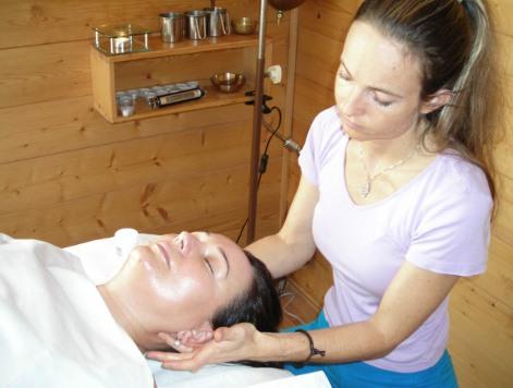 Ayurvedic detox cleanse face massage barbora moravkova